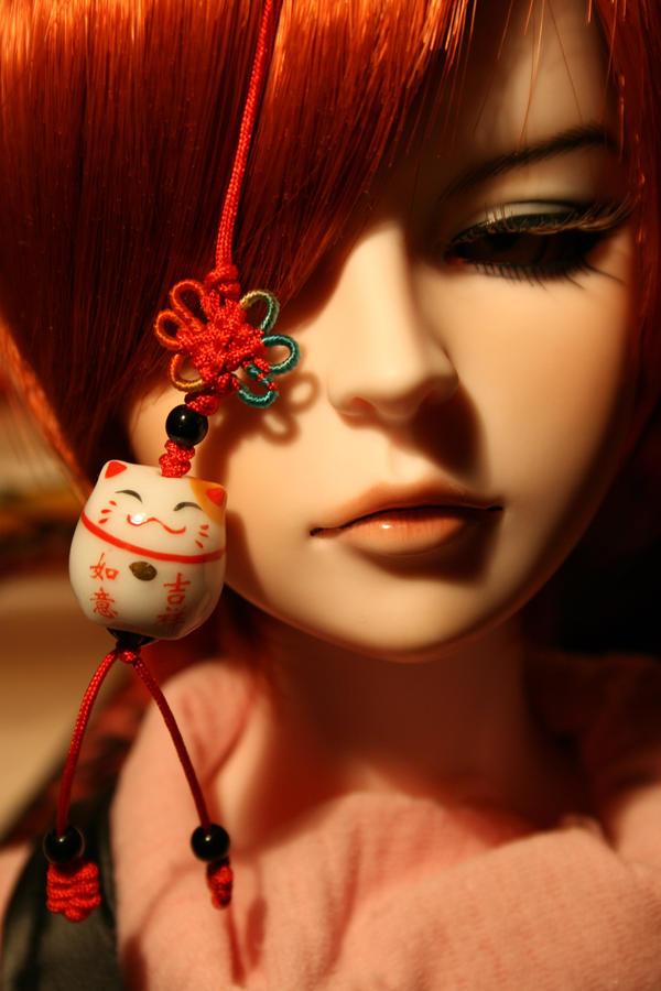lucky charm kitty by Yonezou
