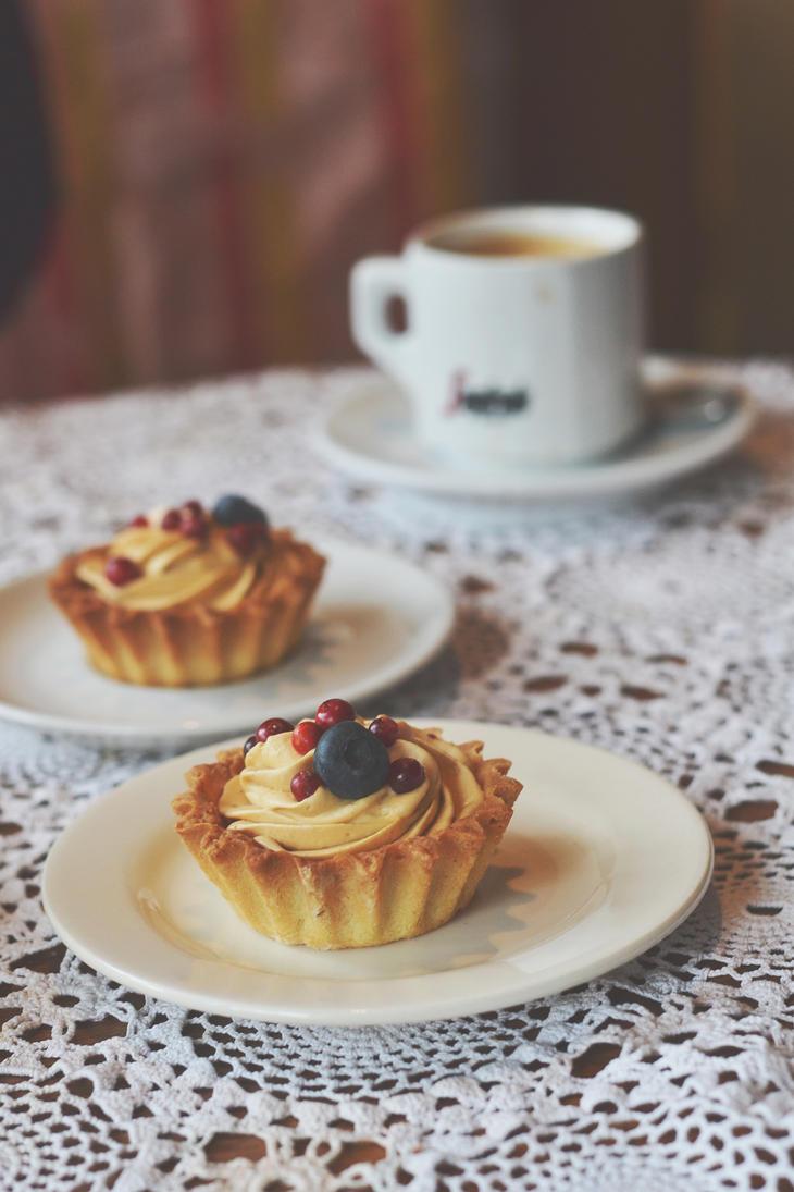 Caramel cream tartlette by artahh
