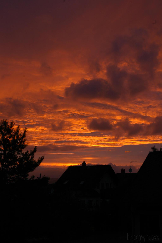 Sky on fire by lucastraxx