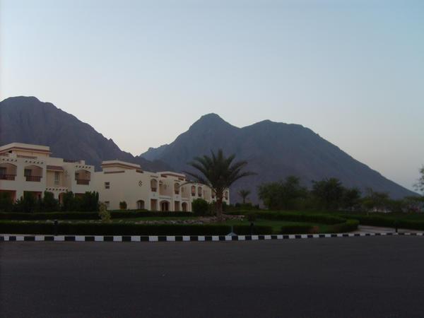 Sinai Mountain Backdrop by doomsdayking
