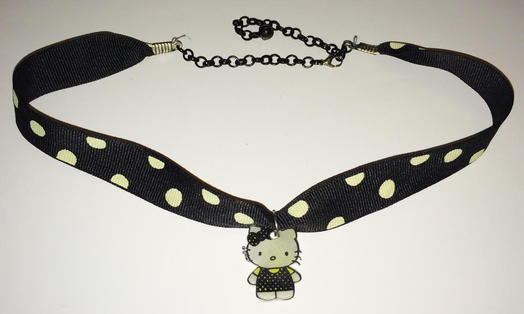 Hello Kitty necklace by Lovelyruthie