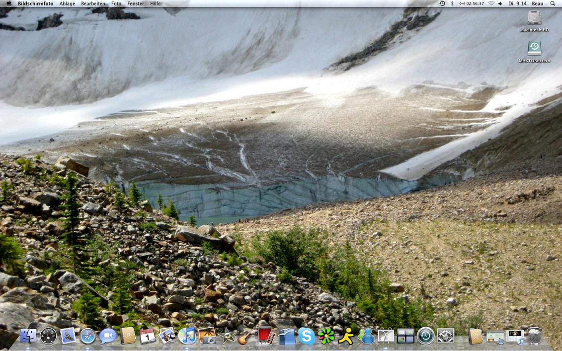 Desktop Now III by BeauCyphre