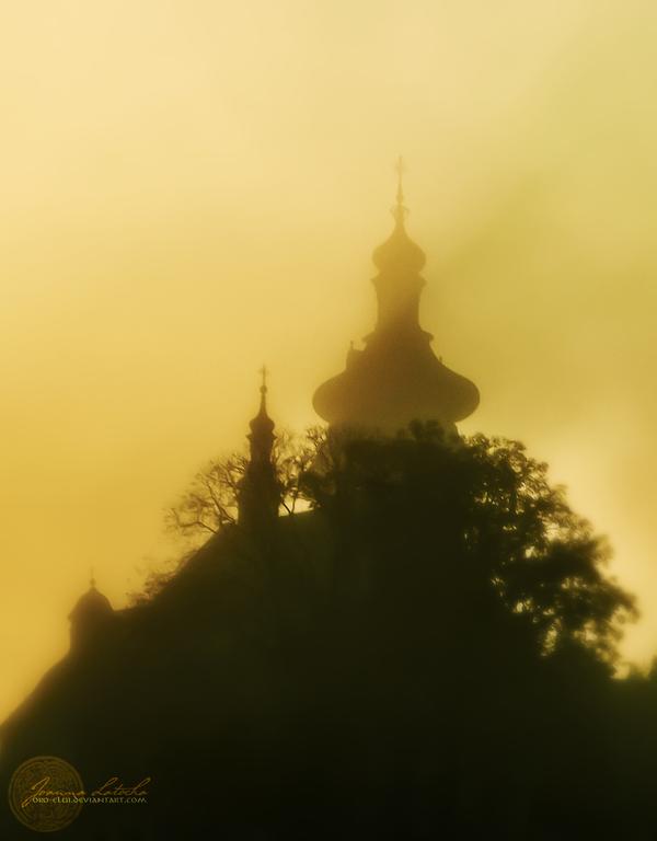 Misty Castle. by oro-elui
