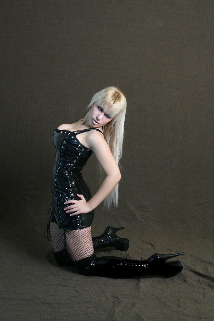http://fc01.deviantart.net/fs51/i/2009/315/b/4/Black_Vinyl_High_Heels_Stock_by_tanit_isis_stock.jpg