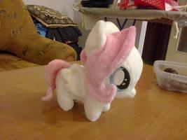 [My Little Pony] Fluttershy Filly by NekoRushi