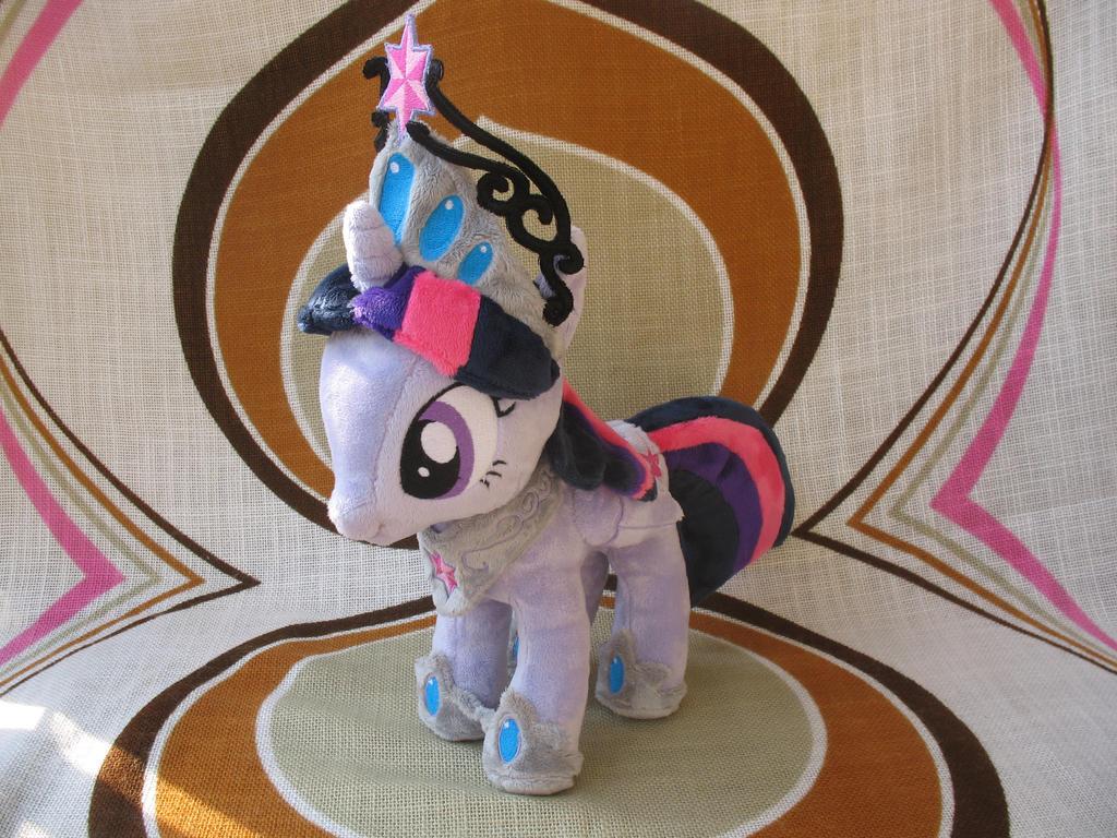 [My Little Pony] Princess Twilight Sparkle by NekoRushi