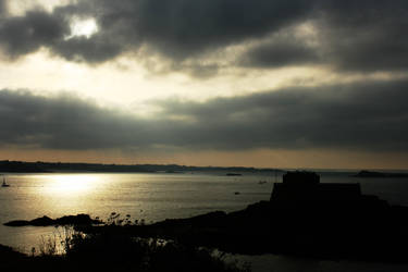 St Malo le soir by Guilou