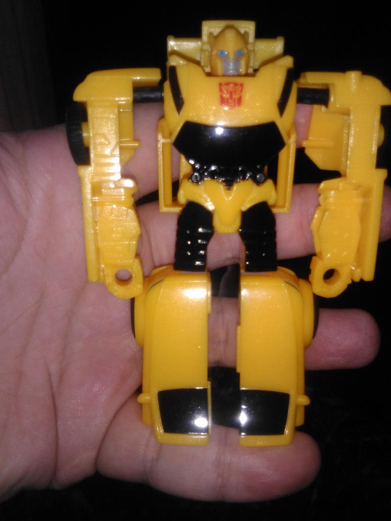 Transformers Authentics Bumblebee by Daniel-Eggman
