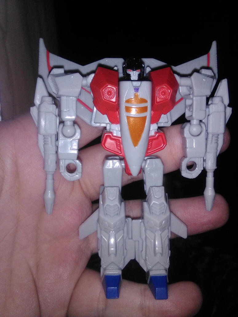 Transformers Authentics Starscream by Daniel-Eggman