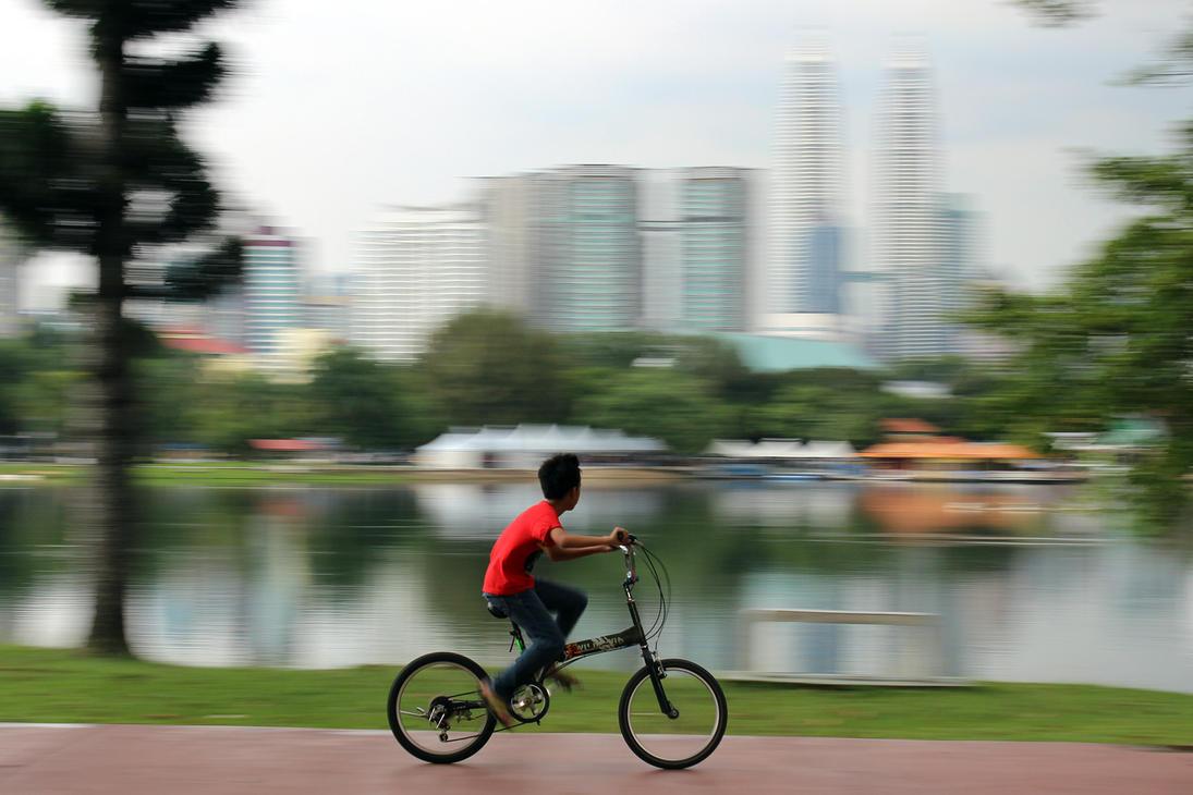 Cycling Kid by SinanDira