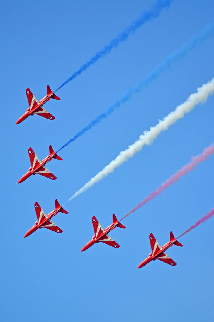 The red arrows at llandudno air show 2015 4 by masimage for Air show 2015