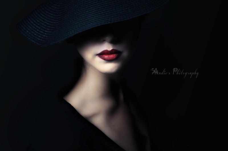 red lips and black hat by biselva on deviantart
