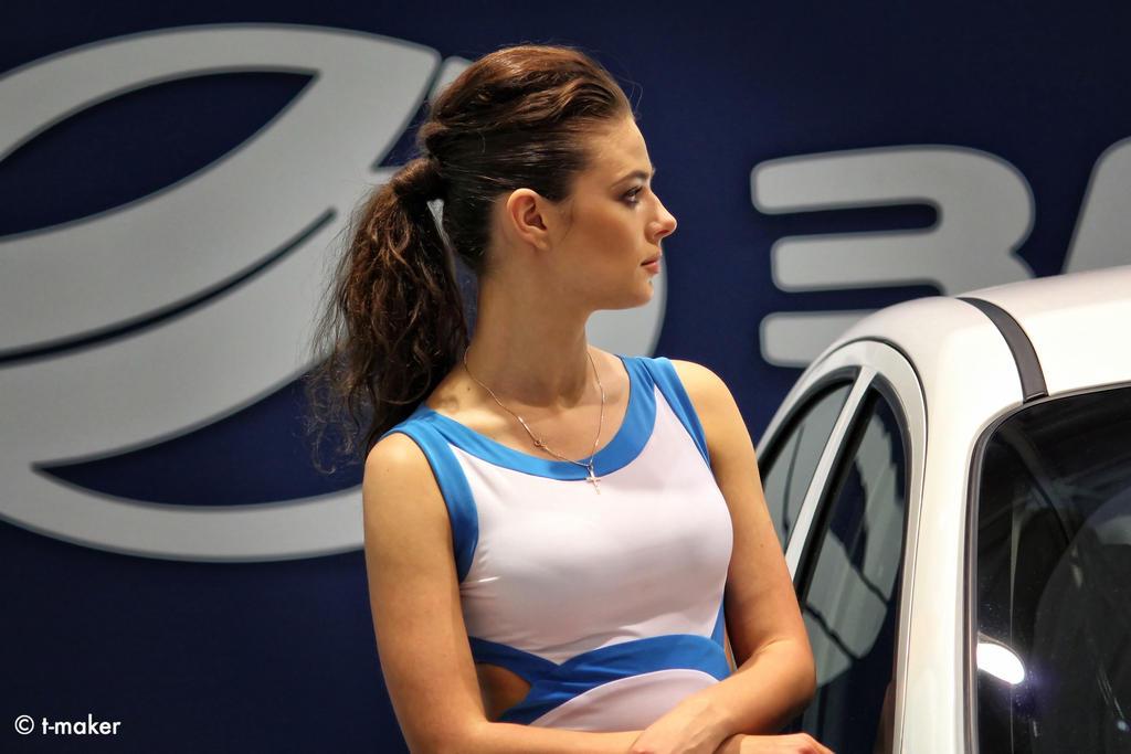 Motor Show Girl by t-maker
