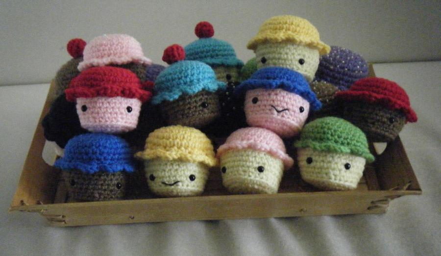 A Tray of Tiny Cupcakes Amigurumi by ChibiSayuriEtsy