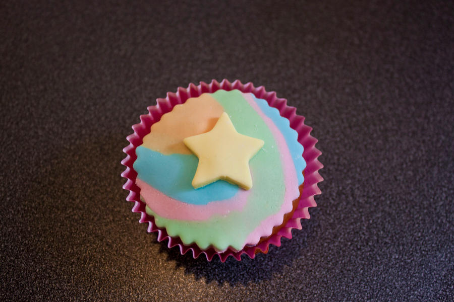Rainbow Star Cupcake by 1-Lilith-1