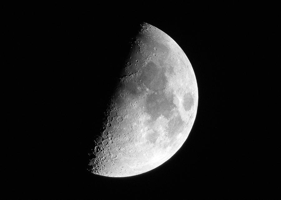 Half Moon by TommyGK