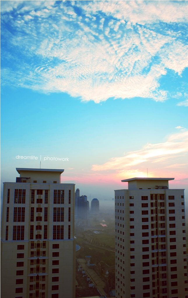sunrise at roof by hendrywt