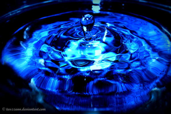 Water Droplet by tarzzann