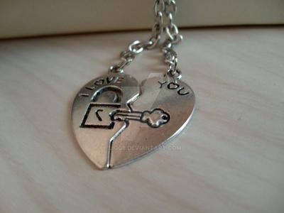 I heart u by Liq08