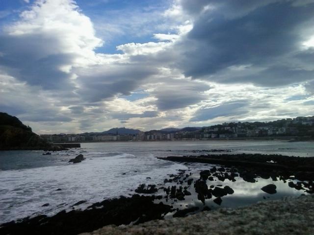 Entre el cielo y el mar by MademoiselleRosa
