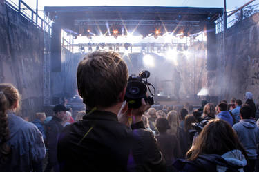 Concert Photography? by AchyBreakyDitori