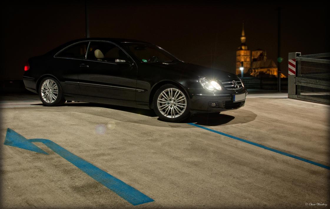 Mercedes benz clk 320 at night by ollidoro on deviantart for Mercedes benz clk 2012