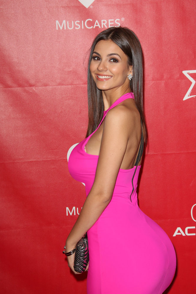 victoria-justice-butt-galleries