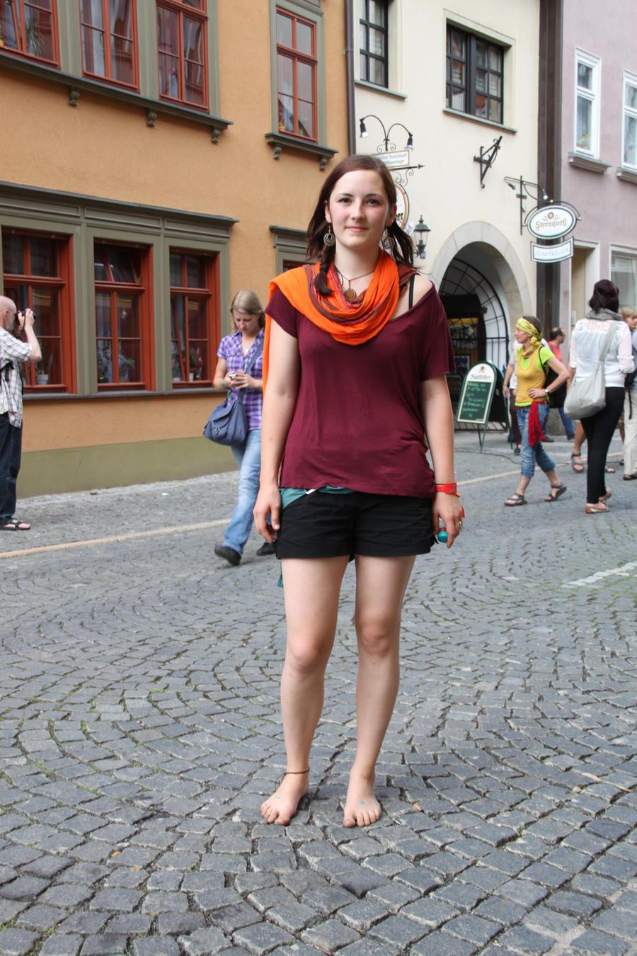 Frauen Barfuss In Der Stadt