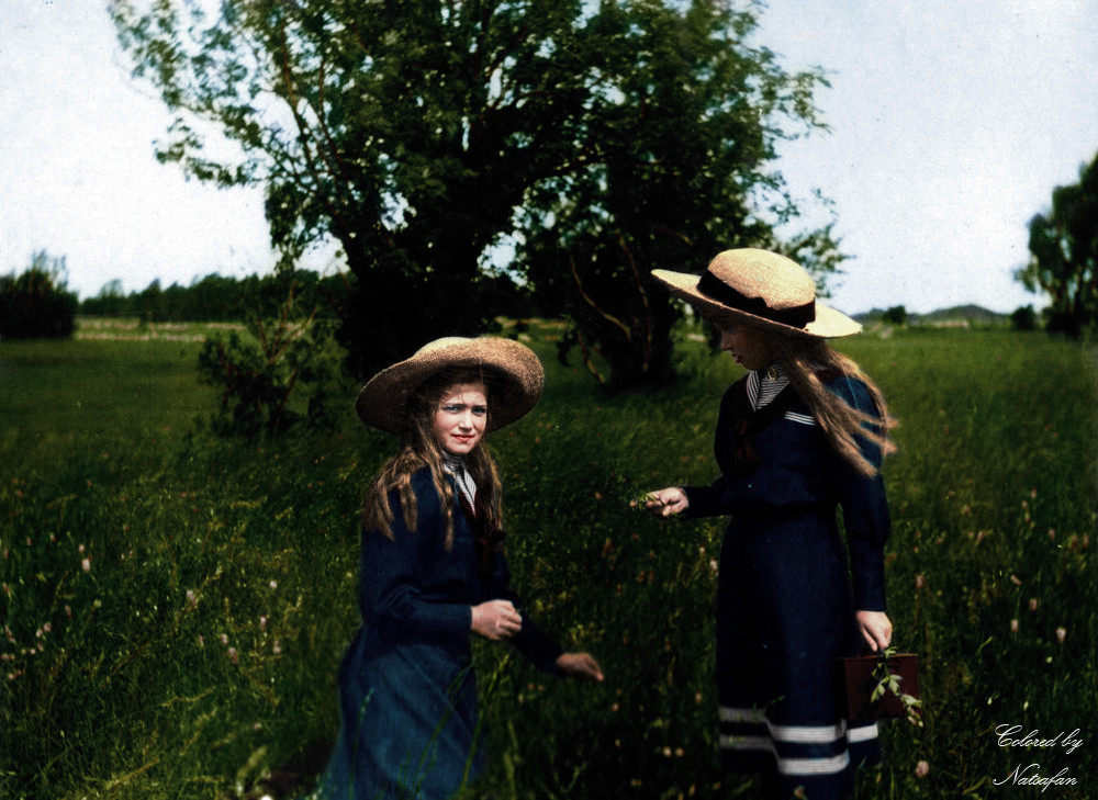 Maria and Anastasia ~ colored photo by natsafan