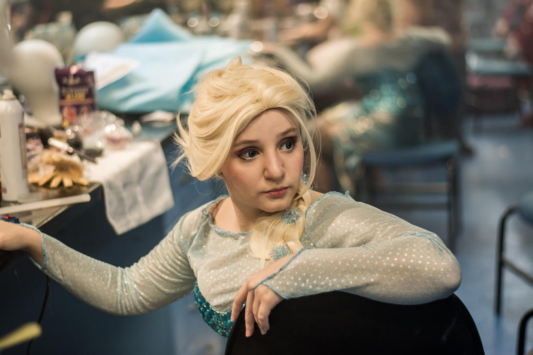 Elsa Cosplay by TaryBelmont