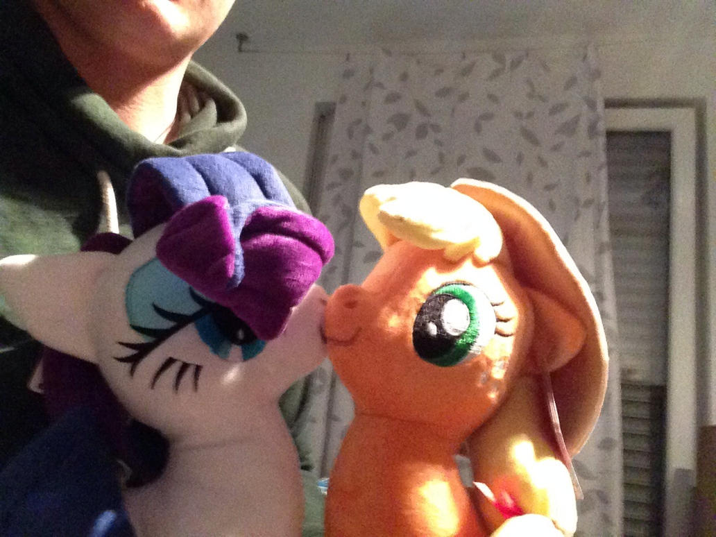 Pretty RariAppleplush! by Ameobia
