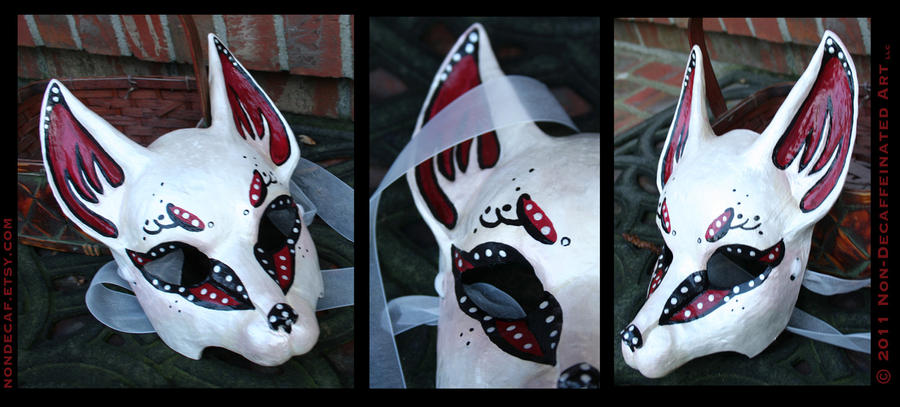 Opalescent Kitsune Mask by nondecaf
