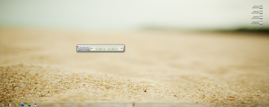 Desktop 5-3-10 by sgraves