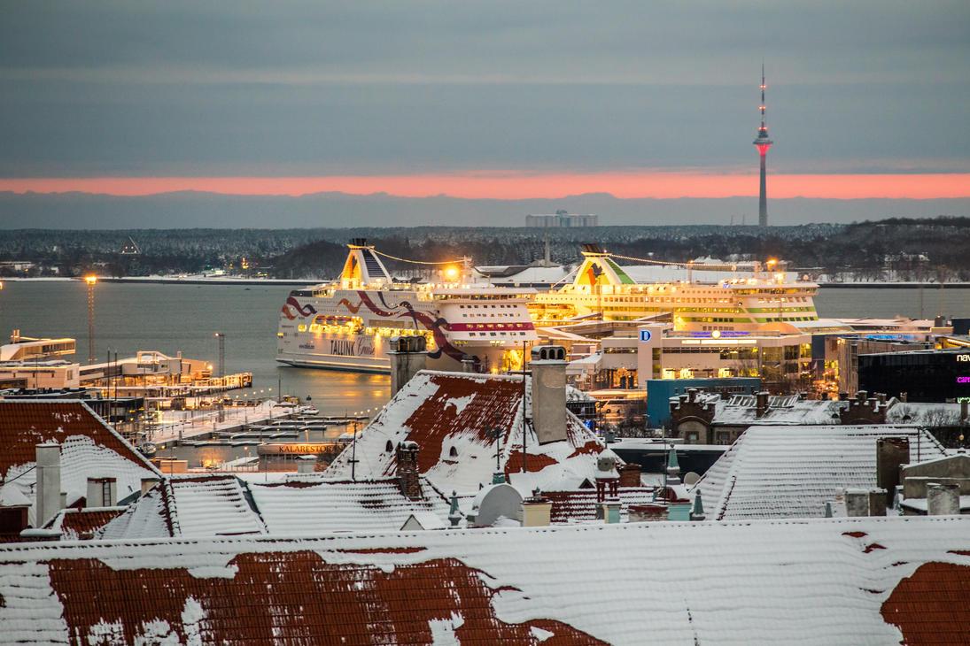 Tallinn - Christmas Eve 2014 by valdna