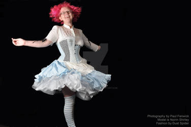 Spin, Alice, Spin... by MorbidPrincess122