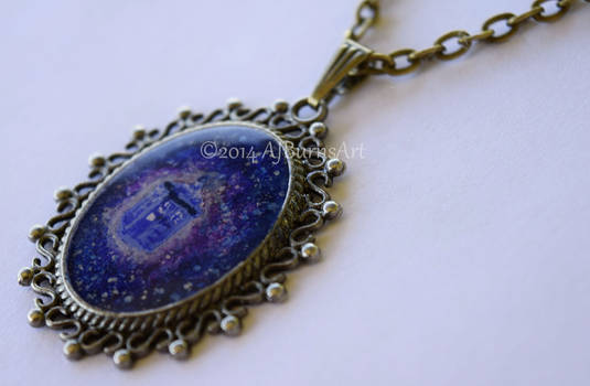 Dr. Who Tardis Necklace