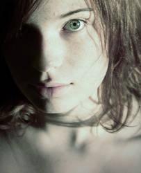 le visage by threedeadlywords