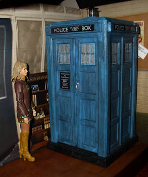 Doctor Who - Jo Grant and the TARDIS