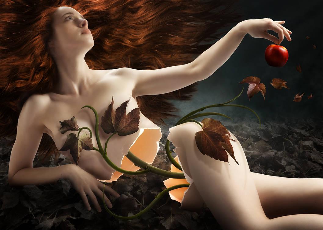 Eve by gyaban