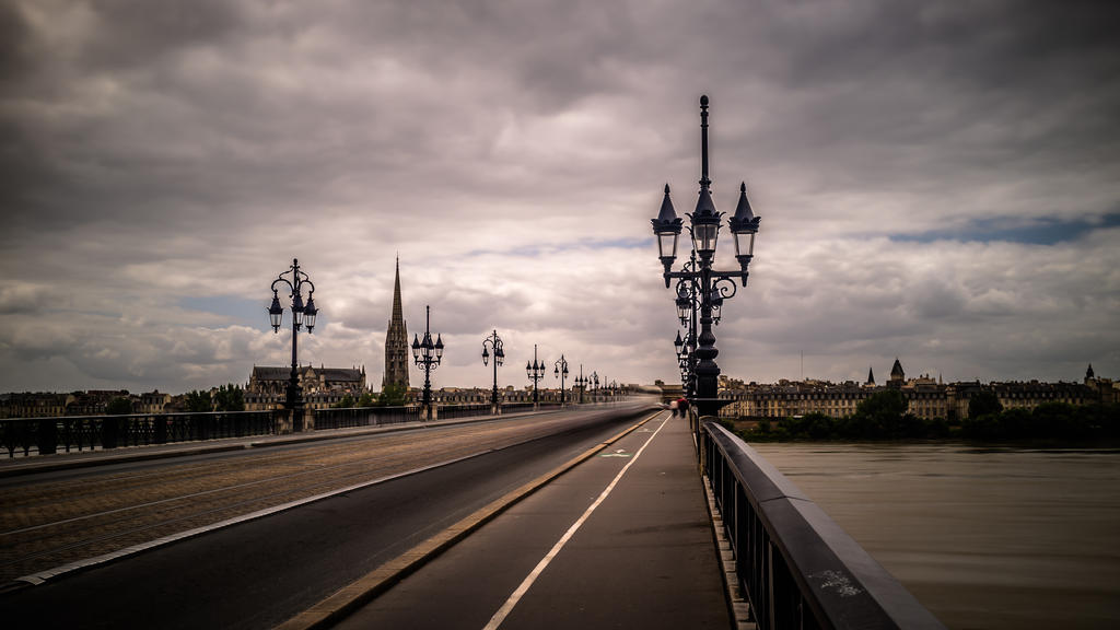 Pont de Pierre by ChristianHein