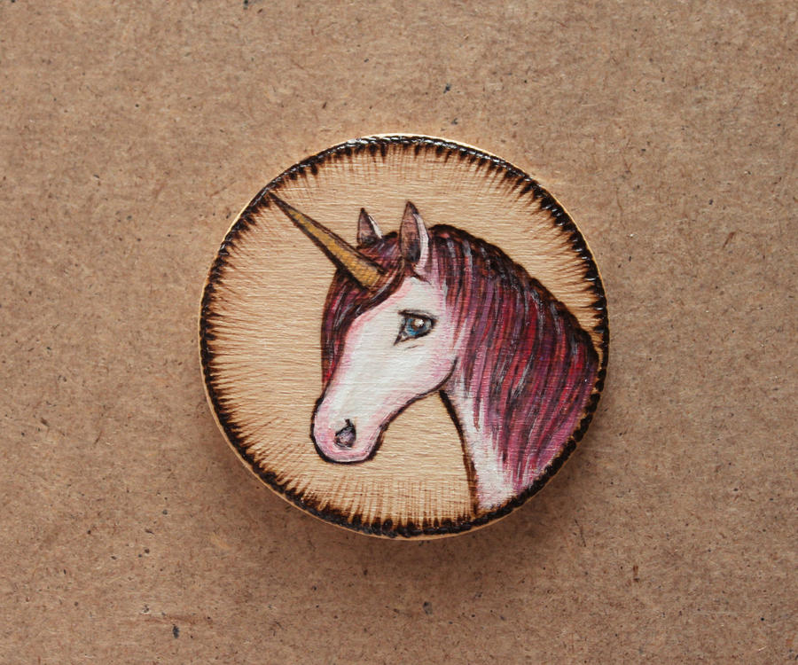 Unicorn - wooden brooch by Aijoku