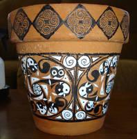 Celtic design on flower pot by soliton