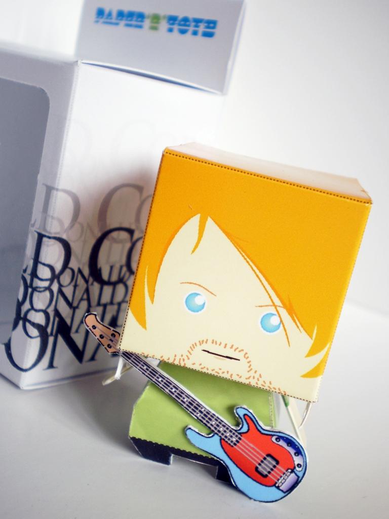 Kurt Cobain Papertoy by maulanajodi