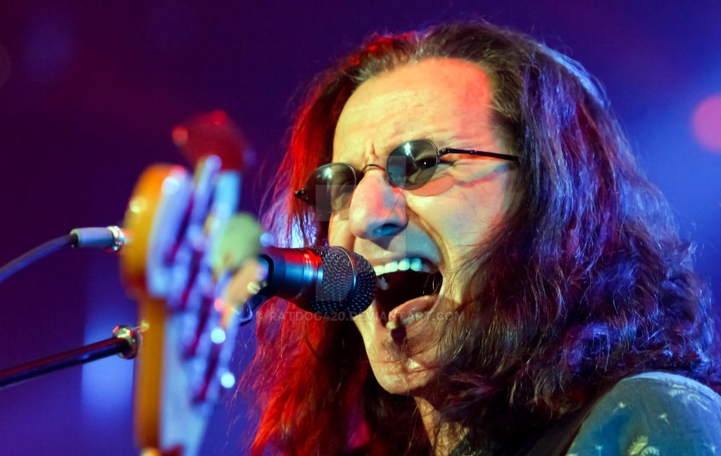 Geddy Lee of RUSH United Center Chicago 09152012 by ratdog420