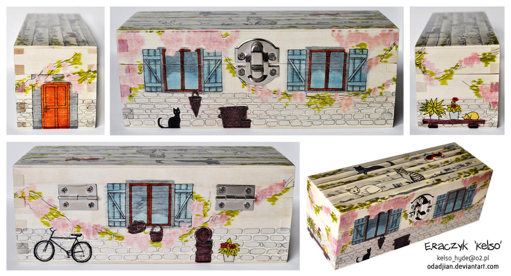 Italian street wooden box by ElaRaczyk