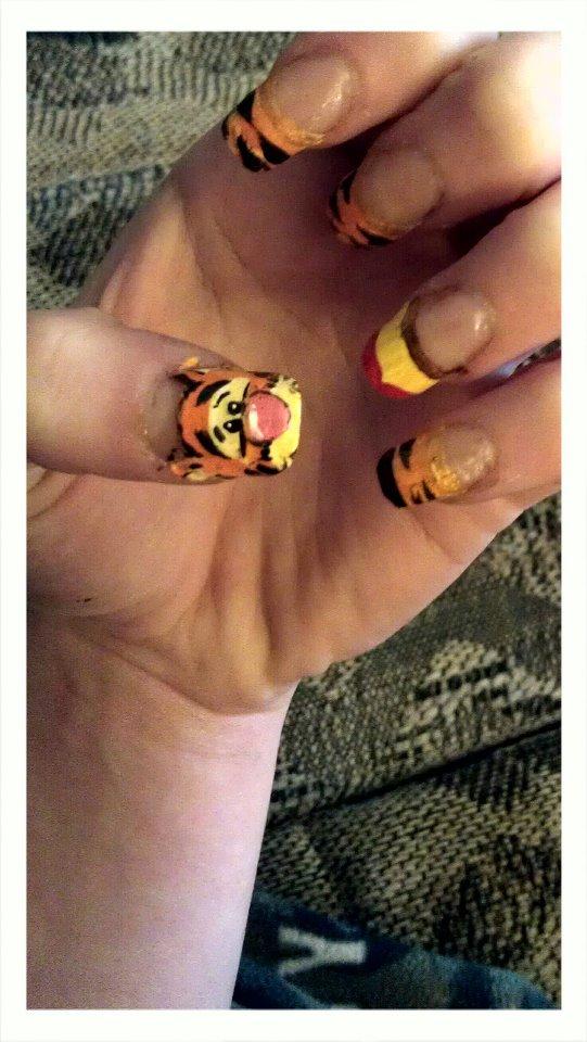 Tigger nail art! by Siberian-Husky214 on DeviantArt