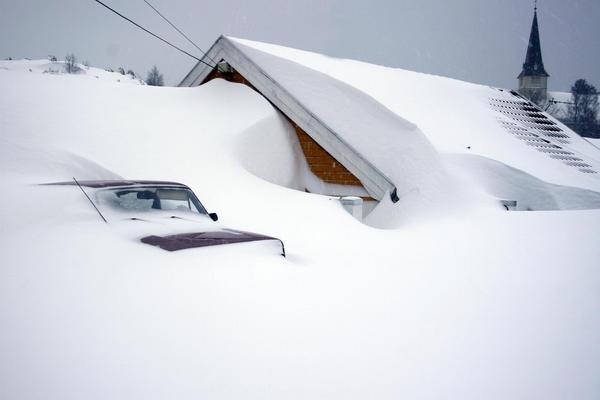 Snow_in_Norway_by_0sekhemet0.jpg