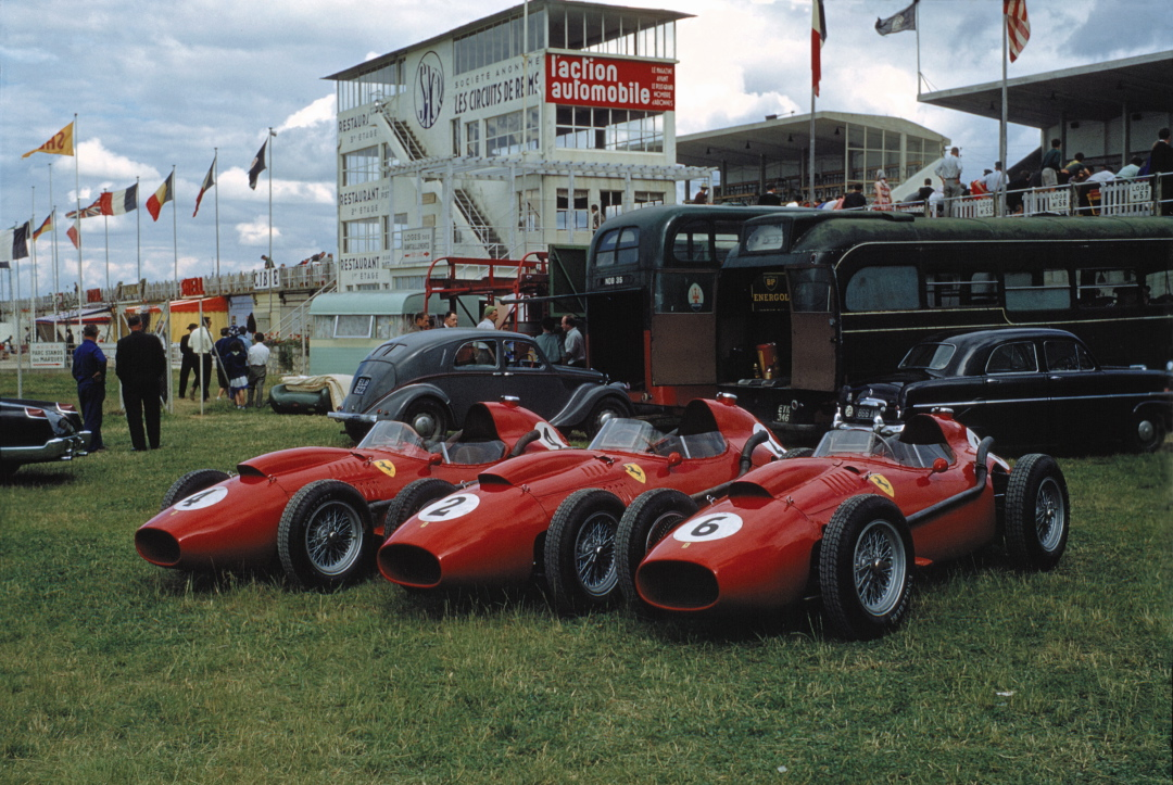 1000 images about ferrari racing 1951 60 the last great era of the front engined f1 ferrari. Black Bedroom Furniture Sets. Home Design Ideas