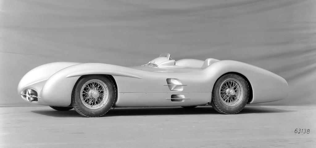 Mercedes benz w196 1954 by f1 history on deviantart for Mercedes benz history name