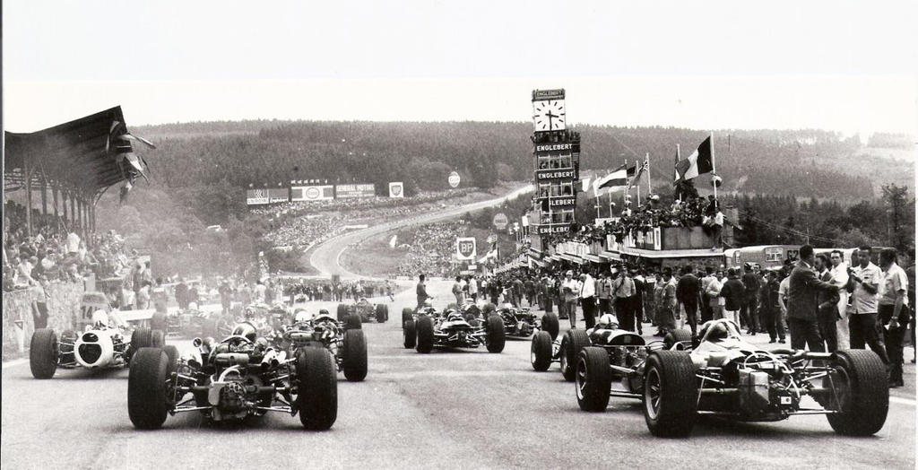 https://fc04.deviantart.net/fs70/i/2013/277/d/2/1966_belgian_grand_prix_start_by_f1_history-d6p6we8.jpg